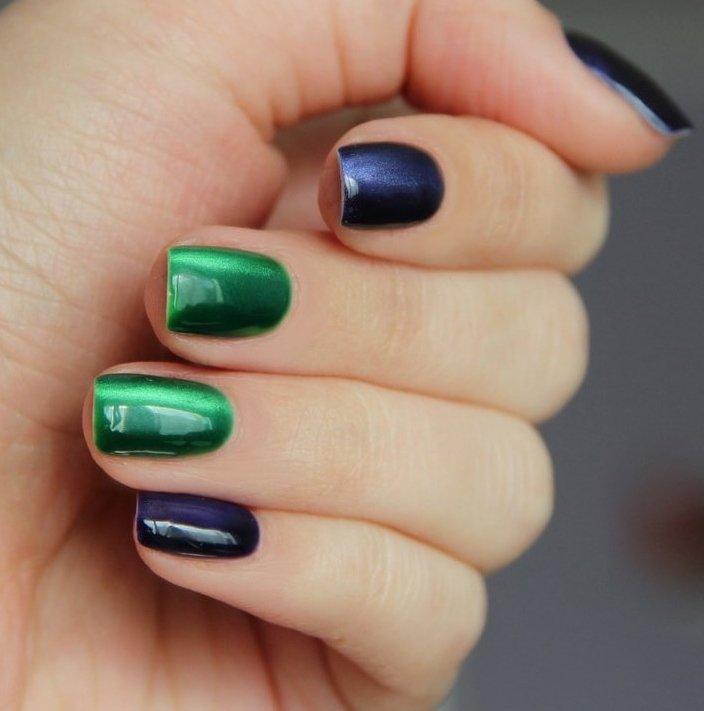Маникюр по фэншуй, выполненный фиолетовым и тёмно-зелёным