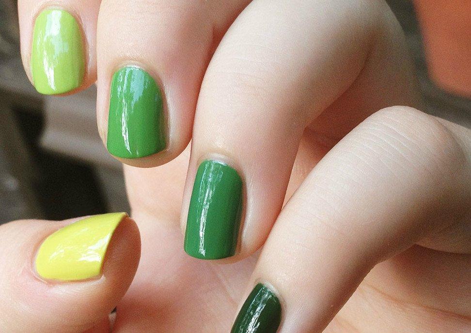 Маникюр по фэншуй, выполненный зелёным и жёлтым