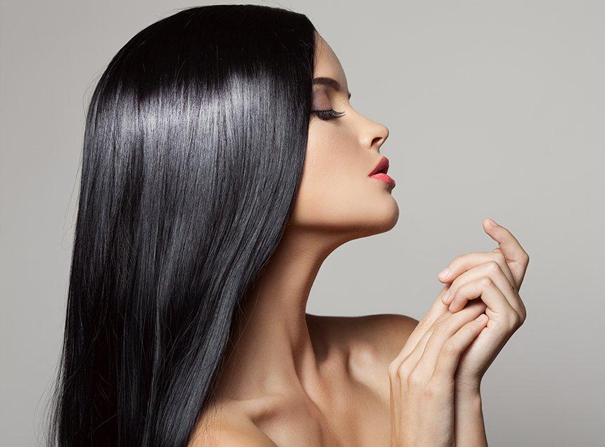 Волосы девушки, которая регулярно делает ламинирование