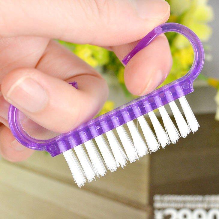 Щётка для ногтей
