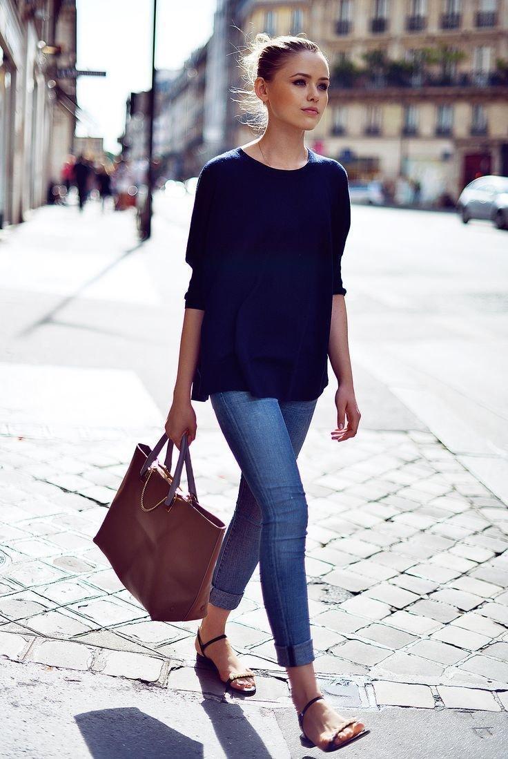 сандалии и джинсы