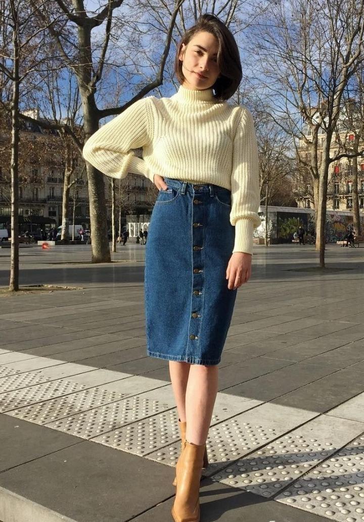 Джинсовая юбка со свитером