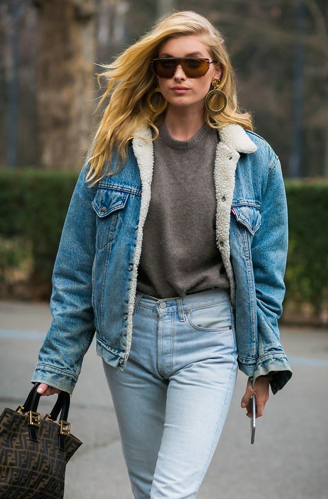 Джинсовая куртка со свитером