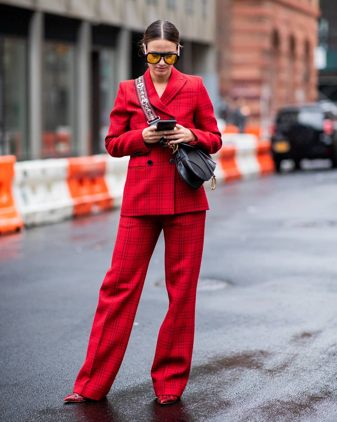 С чем носить модные клетчатые брюки: стильные луки 2019