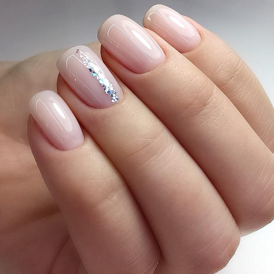 Варианты простого маникюра на короткие ногти
