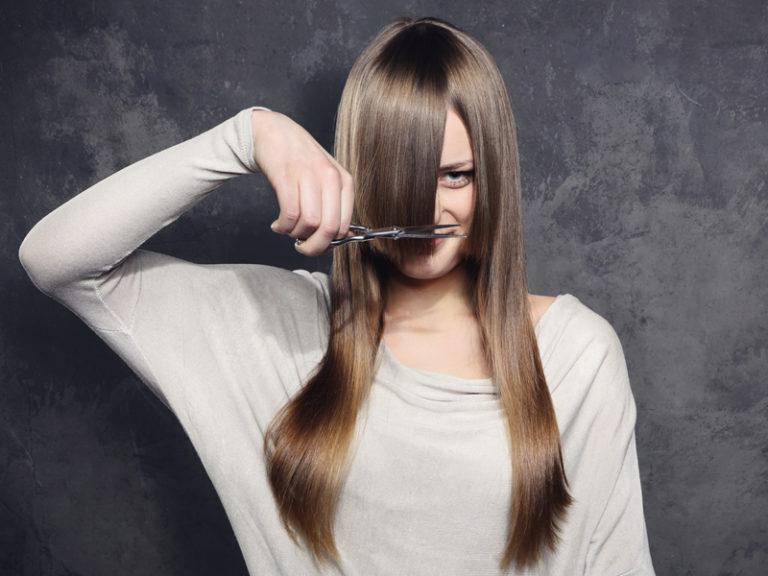 Почему нельзя стричь волосы самой себе, и что будет, если не обращать внимание на приметы