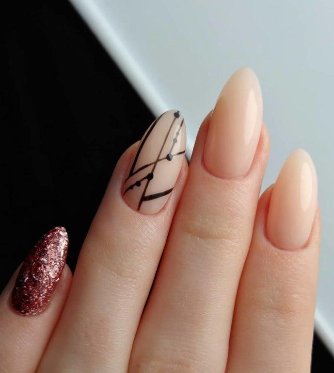 Паутинка на ногтях: самый модный дизайн этого сезона