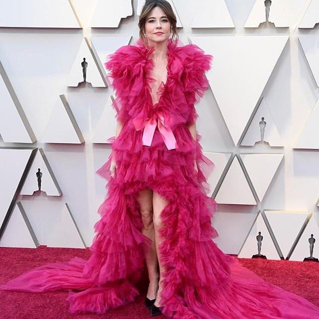 Самые яркие наряды красной ковровой дорожки Оскара-2019