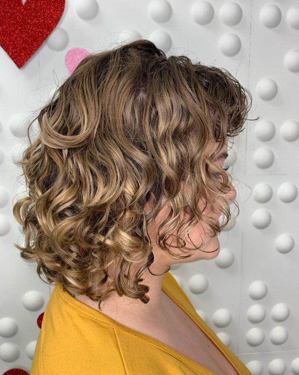 Стильные стрижки для кудрявых волос, которые не требуют сложной укладки
