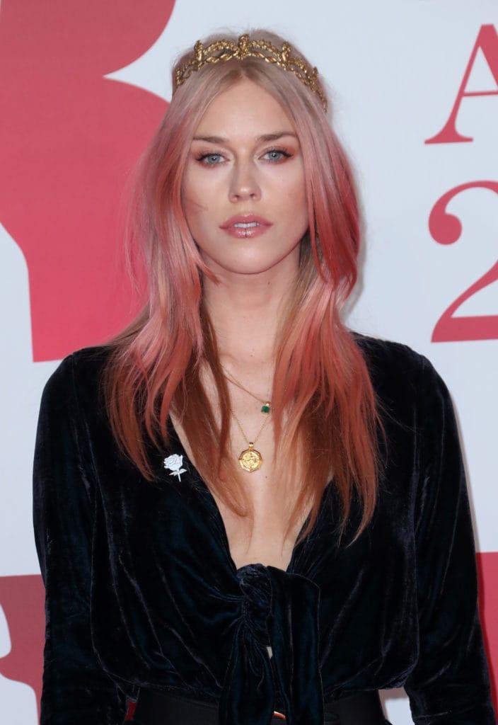 Розовое золото - ультрамодный оттенок весны 2019