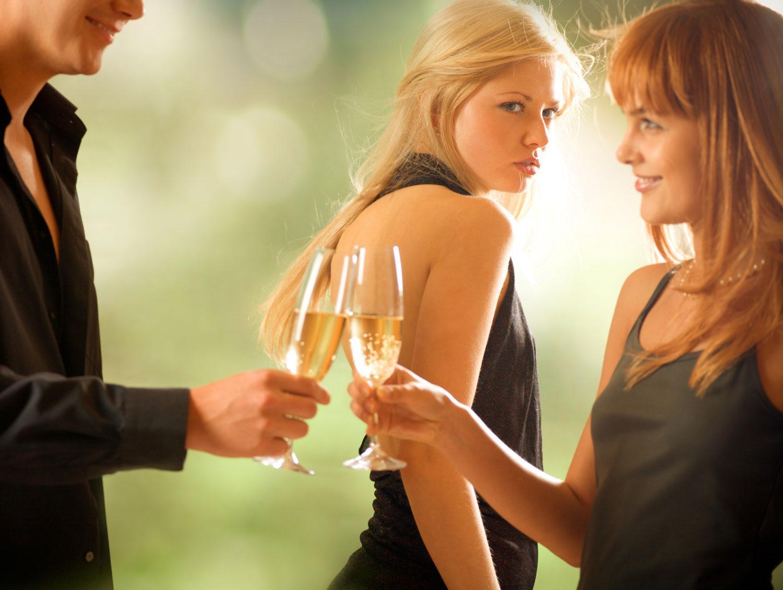 Как ревнуют женщины разных знаков Зодиака