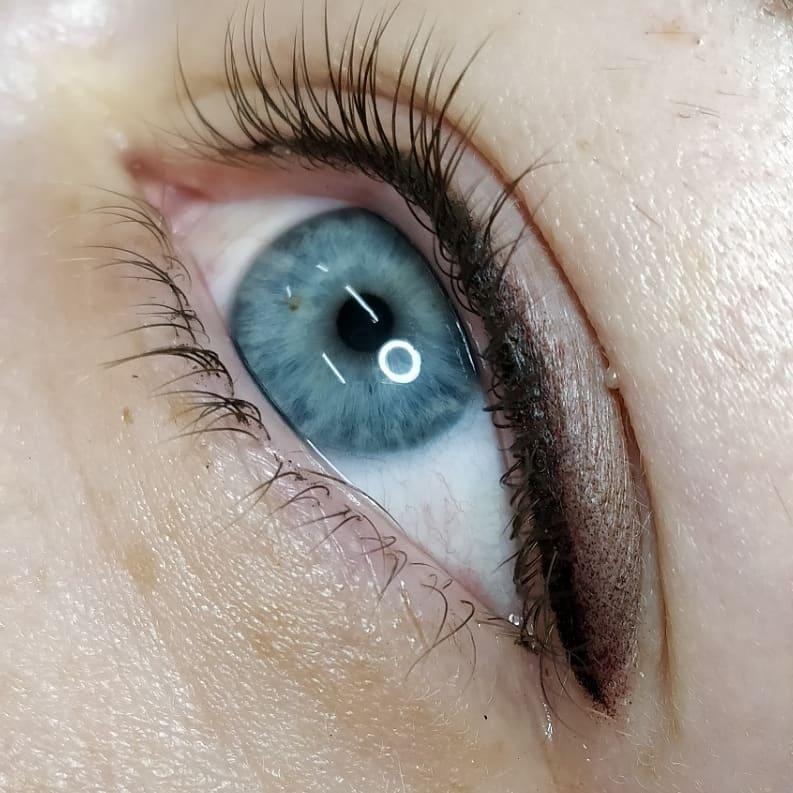 Татуаж глаз в форме растушеванных стрелок: виды, фото и отзывы