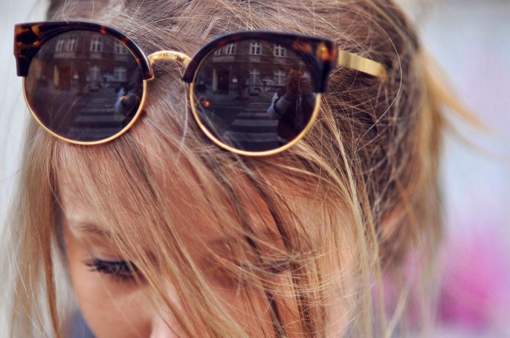 Как не стоит носить очки, чтобы не испортить образ