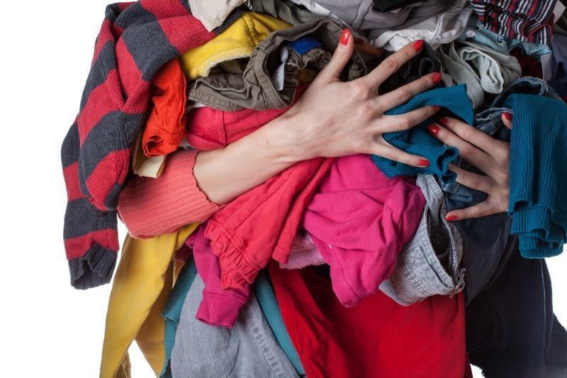 Как с пользой распорядиться старой одеждой