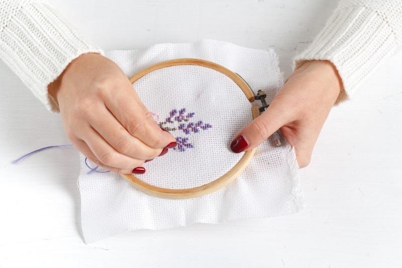 К чему ломается иголка при шитье или вышивании
