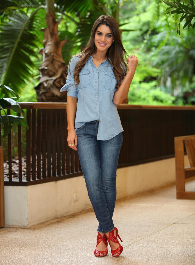 джинсы и босоножки