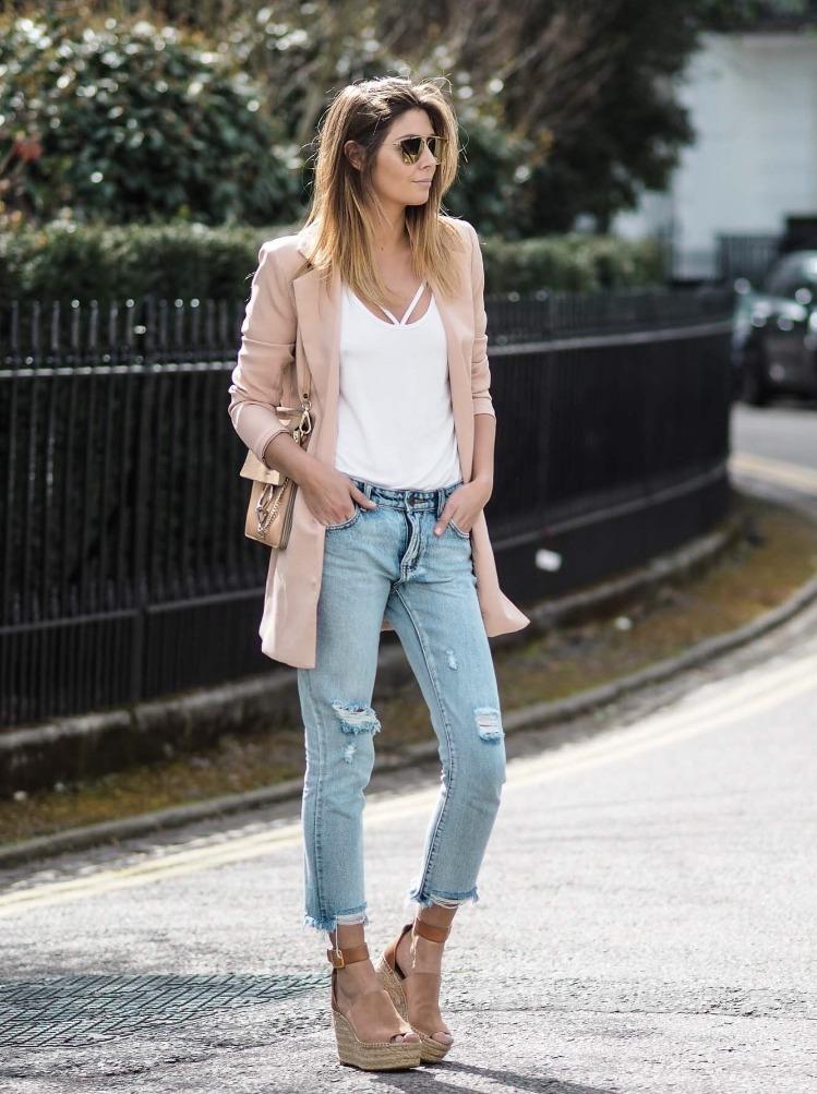 джинсы с босоножками на платформе